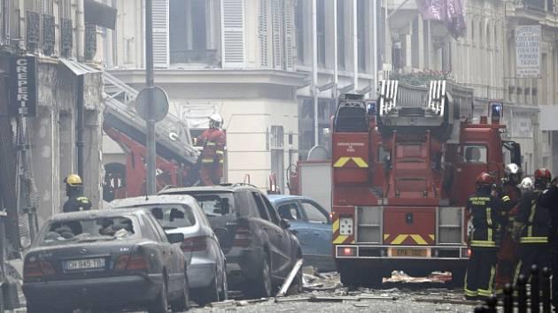 Exploze pekárny v Paříži.