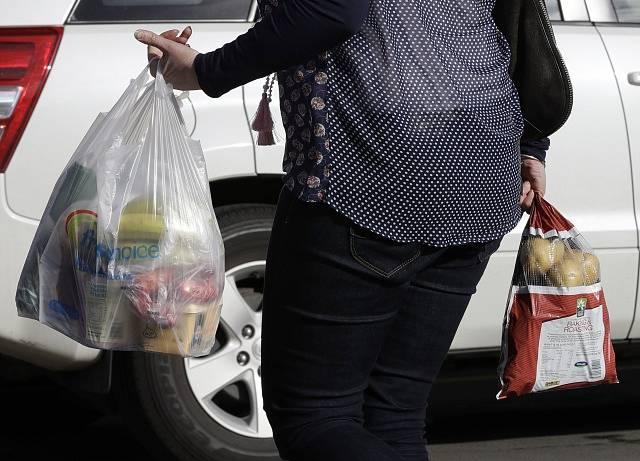 Plastové tašky.
