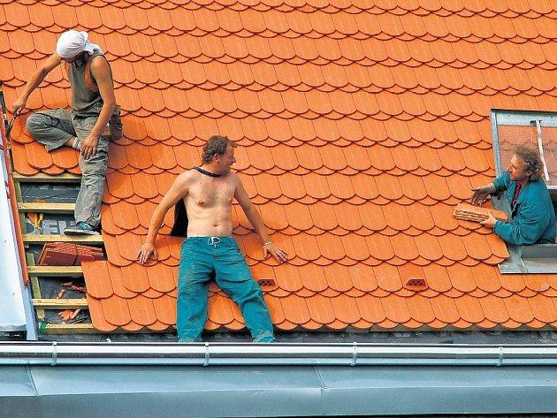 Řeší nedostatek pracovních sil. V místech, kde firmy nemohou najít české zájemce.