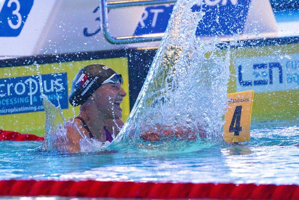 Plavkyně Barbora Seemanová získala zlato na ME.