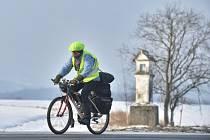 Cyklista na silnici. Ilustrační snímek