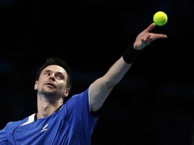 Robin Söderling si poradil na Turnaji mistrů i s obhájcem titulu Novakem Djokovičem.