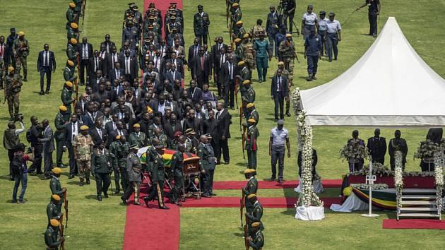 Státní pohřeb bývalého jihoafrického prezidenta Roberta Mugabeho v Harare