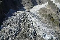 Ledovec Planpincieux který se nachází na italské straně masivu Mont Blancu, nejvyšší evropské hory