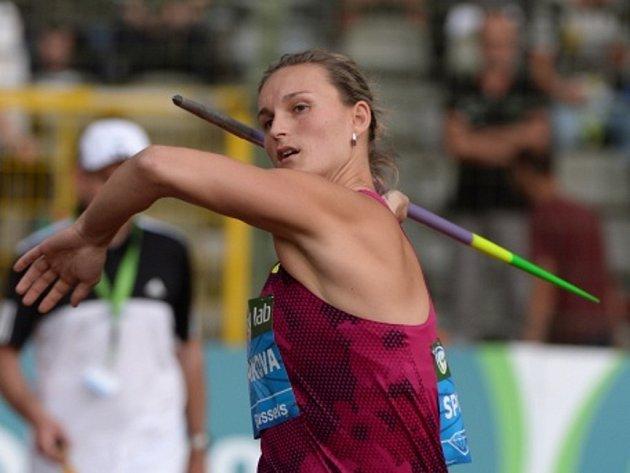 Oštěpařka Barbora Špotáková se postarala ve finále Diamantové ligy v Bruselu o nejlepší výkon roku a potřetí v kariéře prestižní seriál vyhrála.
