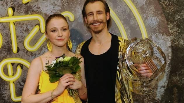 Vítězkou sedmé řady oblíbené taneční soutěže StarDance se stala herečka a bloggerka Marie Doležalová, která tančila s Markem Zelinkou.