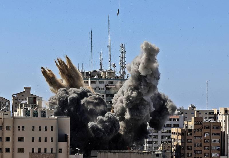 Výšková budova v Gaze po útoku Izraele