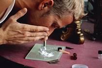 Šňupání kokainu. Ilustrační snímek.