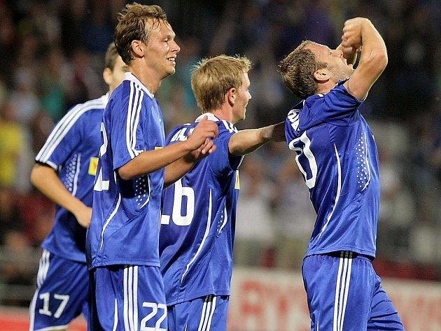 Olomouc - Aberdeen: olomoucká radost z třetího gólu. Vpravo jeho střelec Michal Hubník