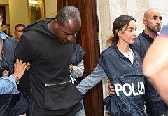 Guerlin Butungu, jeden z podezřelých ze znásilnění Polky a peruánského transsexuála na pláži v Rimini