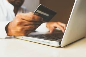 Platby přes internet - Ilustrační foto