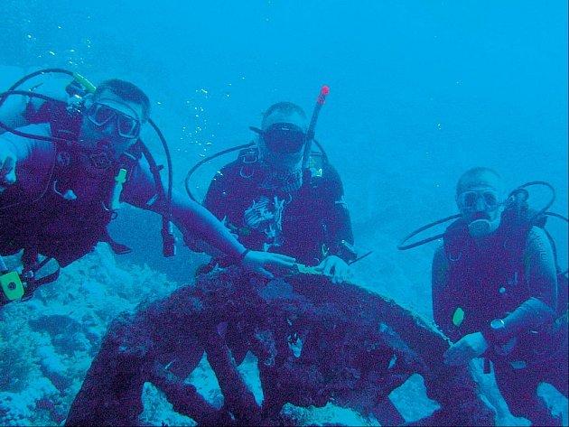 Potápění v lomu Mořina v Americe.