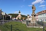 sv. Jan Nepomucký, kašna a kostel