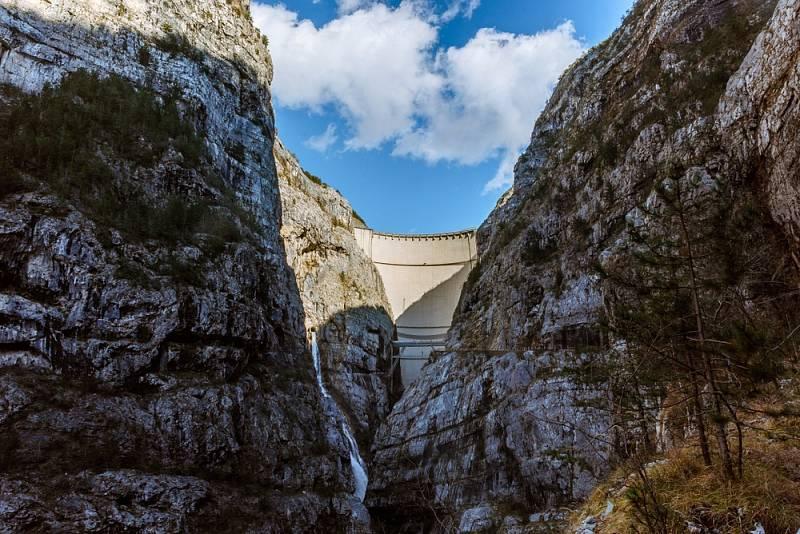Po tragédii v roce 1963 zůstala italská přehrada Vajont bez využití.