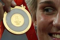 Oštěpařka Barbora Špotáková se zlatou medailí.