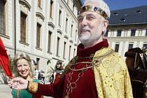 Herec a moderátor Vladimír Čech ztvárňuje císaře Karla IV. poměrně často...