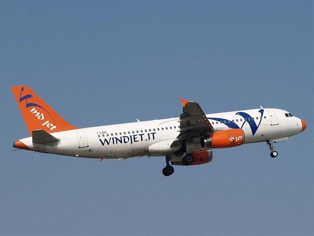 Nízkonákladové aerolinky Wind Jet zkrachovaly.