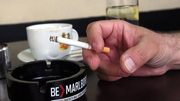 Kouření, cigareta, popelník - ilustrační foto