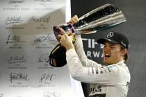 Nico Rosberg se dočkal prvního hattricku v kariéře. Po vítězství v Mexiku a Brazílii ovládl i Velkou cenu Abú Zabí.