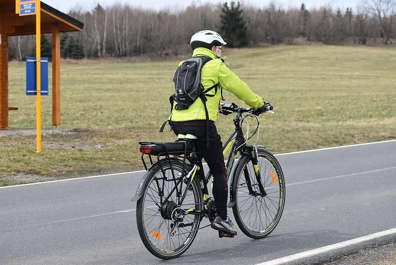 Cyklisté v Jeseníkách a na Krnovsku