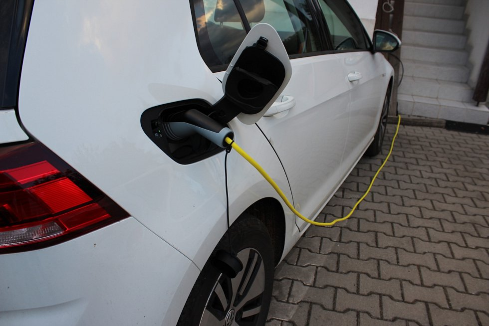 Elektromobil Volkswagen e-Golf, domácí nabíjení