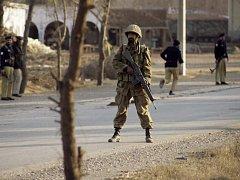 Napětí mezi Spojenými státy a Pákistánem kvůli americkým intervencím v pákistánském pohraničí zvýšil další incident. V oblasti Jižního Vazíristánu se zřítilo špionážní letadlo USA, informoval ve středu pákistánský tisk. Pentagon to popře. Ilustrační foto.