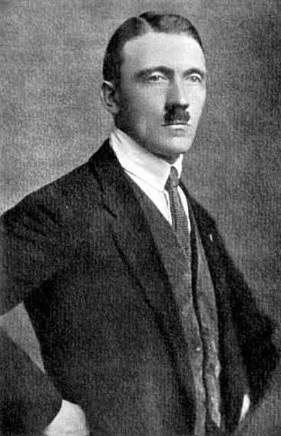 Adolf Hitler v roce 1925