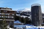 Lyžařům je pod horami Aineck a Tschaneck k dispozici 70 kilometrů upravených sjezdovek.