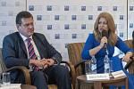 Maroš Šefčovič a Zuzana Čaputová v předvolební debatě