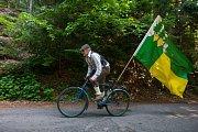 Dvanáctý ročník Spanilé jízdy Cyklostezkou Járy Cimrmana odstartoval 11. června na mostě přes Kamenici v Návarově. Na snímku starosta Tanvaldu, Vladimír Vyhnálek.