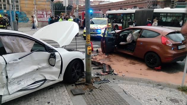 Nehoda v Karlíně
