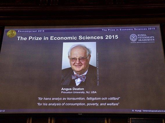 Nobelovu cenu za ekonomii získal Angus Deaton z Británie.