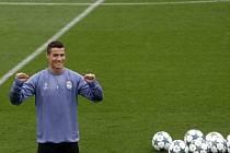 Cristiano Ronaldo na tréninku Realu před zápasem Ligy mistrů proti Legii Varšava