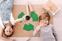 Každá tuna vytříděného a dál zpracovaného papíru ušetří čtrnáct stromů