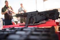 Kalifornie zrušila zákaz útočných zbraní