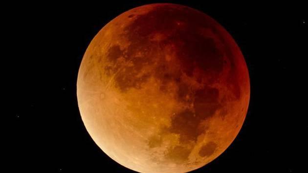 Měsíc v takzvaném superúplňku