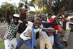 Oslavy v ulicích hlavního města Zimbabwe Harare