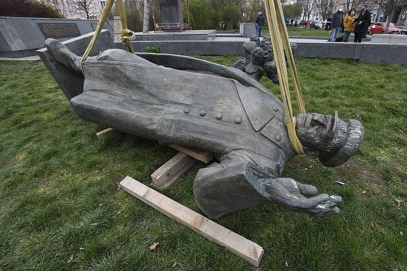 Pomník maršála Koněva byla odstraněn