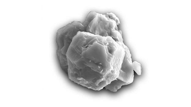 Pre-solární hvězdné zrno pod elektronovým mikroskopem