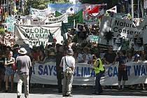 Desetitisíce Australanů demonstrovaly za vznik nové emisní dohody