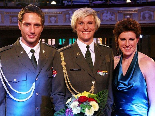 Tři nejlepší atleti Česka: Zleva Vítězslav Veselý, Barbora Špotáková a Zuzana Hejnová.