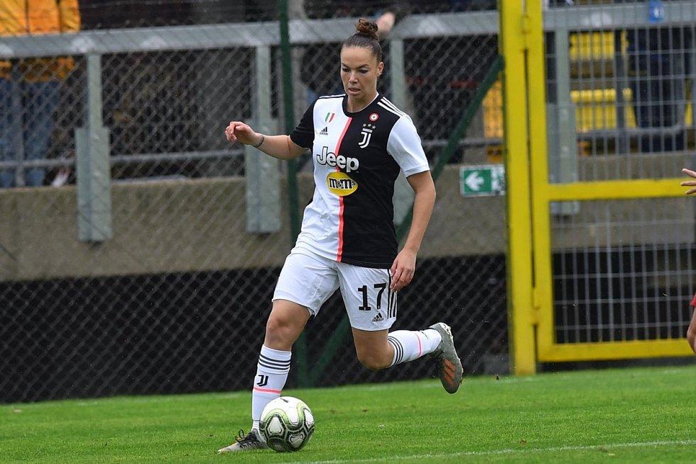 Fotbalistka Andrea Stašková