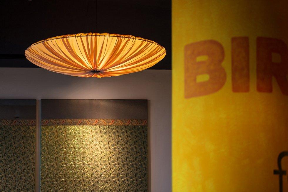 Archicraft navrhli interiér pražské restaurace Bombay Express v Atriu Flora.
