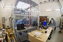 Čeští vědci z Akademie věd ČR dokončili vývoj přístroje, který bude ve vesmíru měřit elektromagnetické vlny. Má se stát součástí přístroje RPW (Radio and Plasma Waves) na meziplanetární evropské sondě Solar Orbiter, která bude obíhat mezi Sluncem a Zemí.