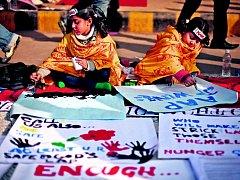 V Indii pokračují protesty proti násilí na ženách.