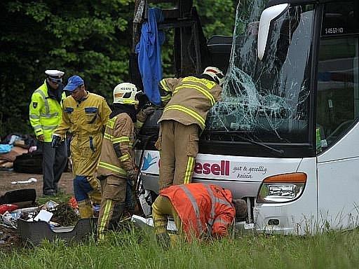 Nehoda autobusu. Ilustrační foto
