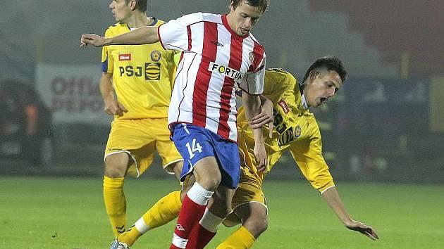 Fotbalisté Jihlavy (ve žlutém) proti Brnu.