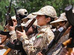 Milice iráckých Kurdů připravují ofenzivu proti sunnitským radikálům na severu Iráku. Ilustrační foto.