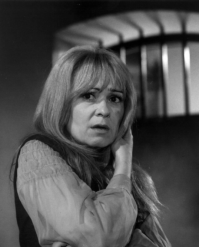 Jiřina Bohdalová jako Anna Letenská ve filmu Kat nepočká