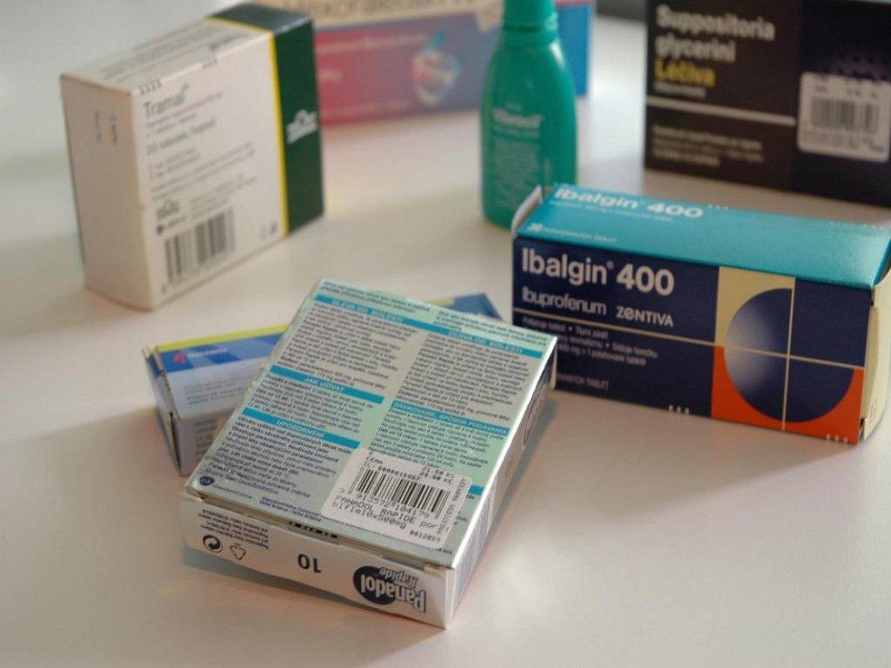 Zatímco na Slovensku se ceny léků na předpis od neděle snížily, v Česku musí pacienti počítat s opačným stavem.